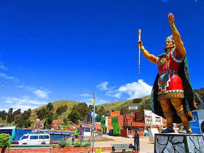 Camino a Copacabana, en el Lago Titicaca