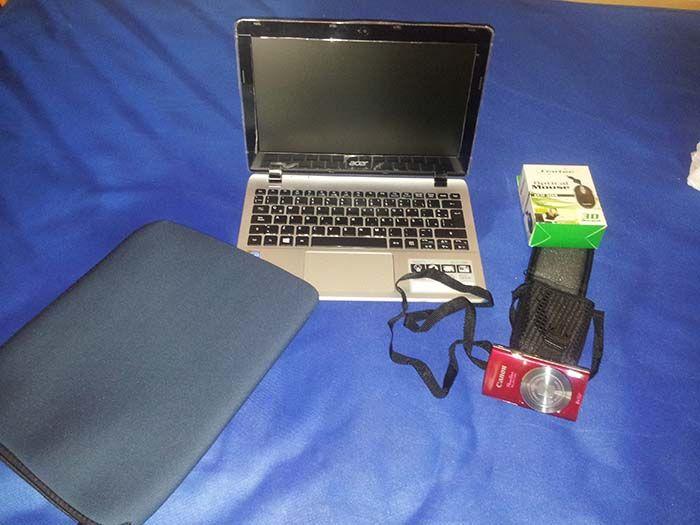 El kit de un blogger: a lo que ves, súmale un disco duro externo si no quieres perder tus fotos.