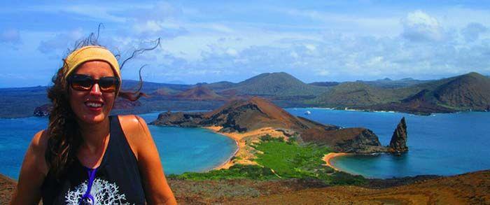 Las vistas desde lo alto de la Isla Bartolomé son impresionantes... pero caras.