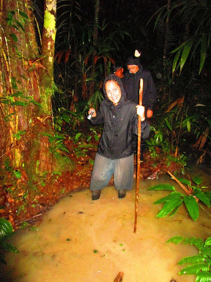 Caminata nocturna en el Amazonas