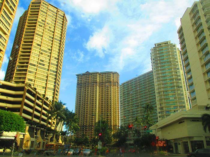 ¡En Honolulu hay unos hotelazos que a veces parece que estés en Las Vegas!