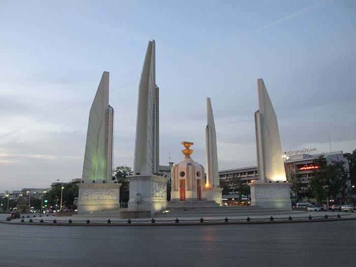 Monumento a la Democracia, guía lowcost de Bangkok