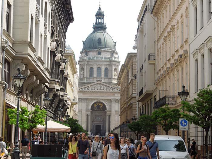 Basílica de San Esteban desde la calle Szent István tér