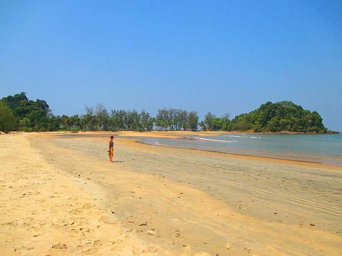 Koh Phra Thong bay