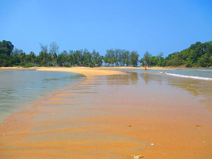 Koh Phra Thong Kayaking
