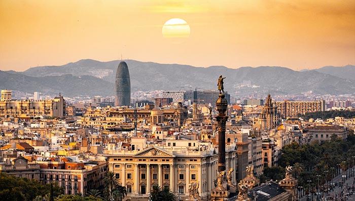 Top 10 de actividades en Barcelona. Barcelona por tierra, mar y aire