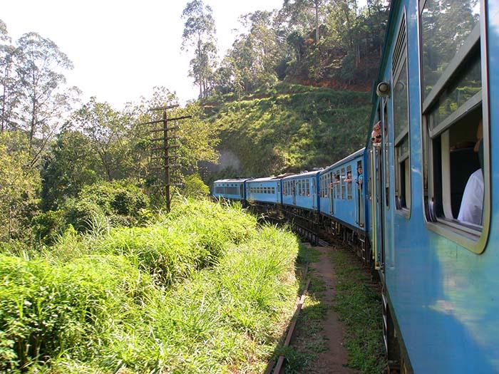 Viaje en tren de Kandy a Ella en Sri Lanka