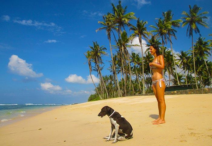 Usar bikini en las playas de Sri Lanka