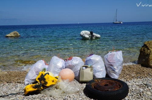 Cala Sardina Ibiza basura plásticos