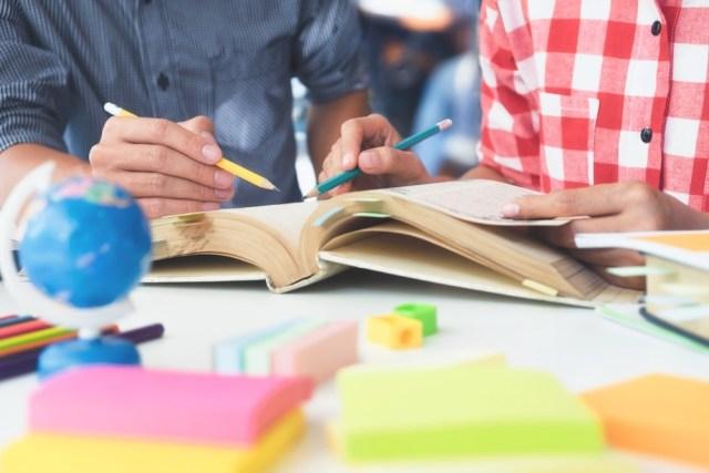 En el Día del Maestro, lanzamos servicio de distribución de cursos en línea