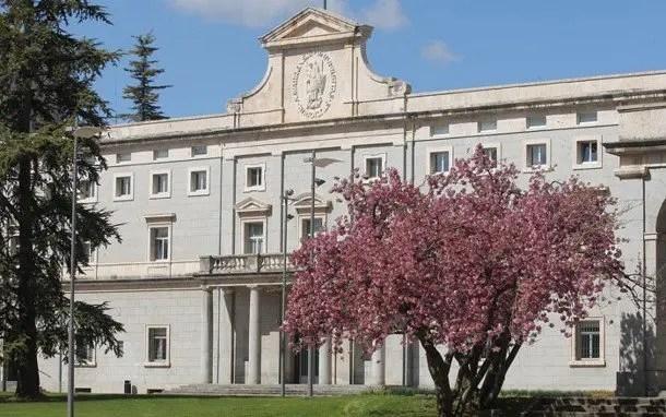 becas España de la universidad de navarra