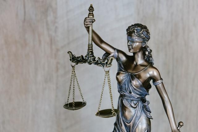 Estudia en Francia con las becas para derecho que ofrece el DAAD