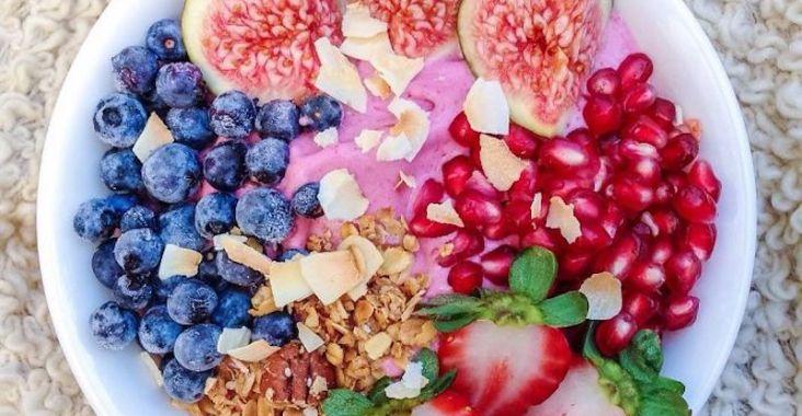 pink acai bowl