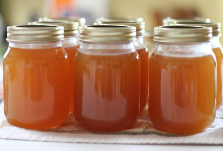 Super Easy Homemade Peach & Vanilla Jam