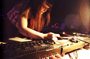 Carrie Gates DJing at the DIGIDOME Festival