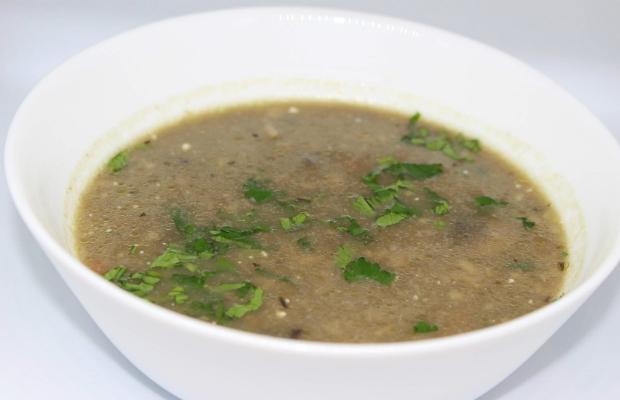 Лека гъбена супа