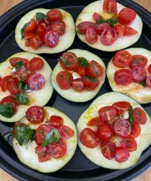 Патладжан с чери домати на фурна