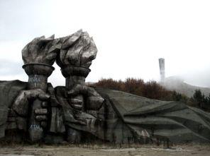 Altro che le colonne di Argonath, noi abbiamo i Mega Braccioni.