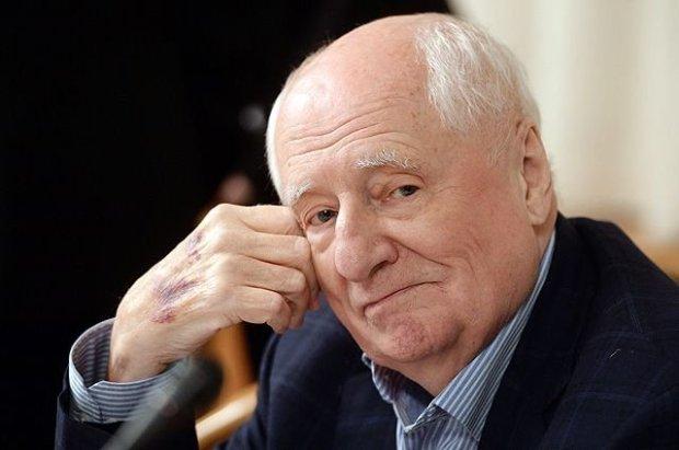 Мэр Москвы поздравил режиссера Марка Захарова с днем рождения