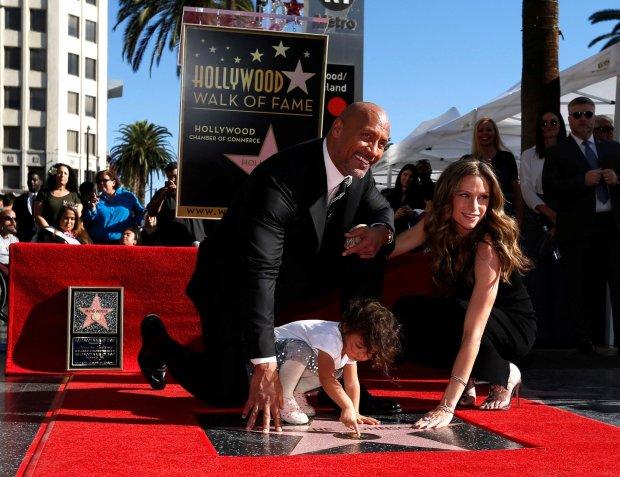 Дуэйн Джонсон стал обладателем именной звезды на Аллее славы в Голливуде