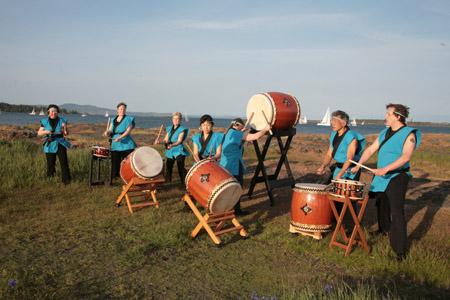 , Taiko (太鼓) – Japanese Drumming, VNCS