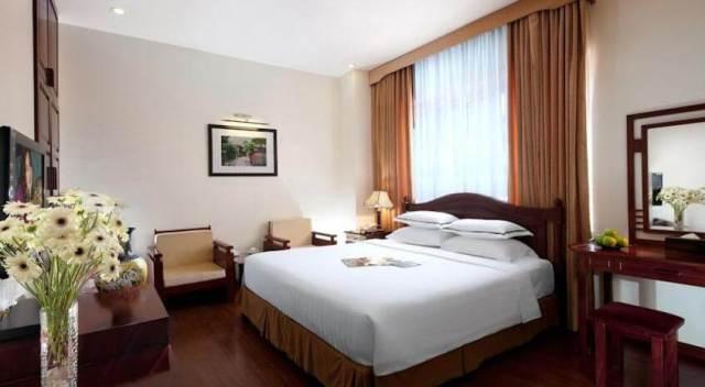 Phòng của khách sạn HaNoi Imperial Hotel được trang trí sang trọng