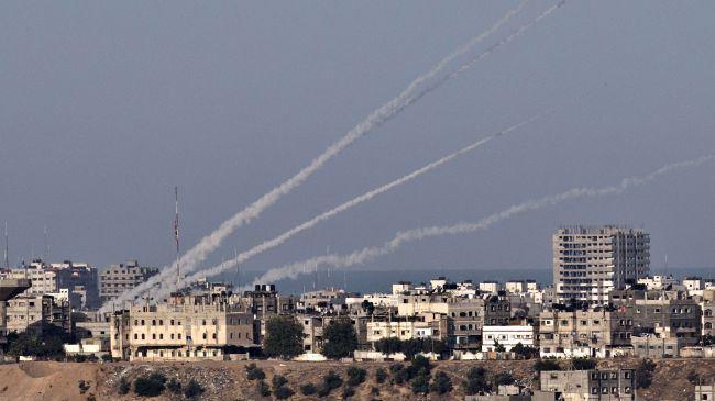 Kelompok Perlawanan Palestina Tembakan Puluhan Roket Balasan Baru ke Israel