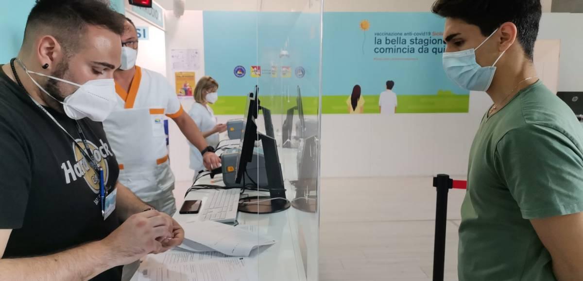 Vaccini in Sicilia - Oltre120 mila prenotazioni di under 40. Atto di  responsabilità dei giovani - VOCEDIPOPOLO Sicilia on line