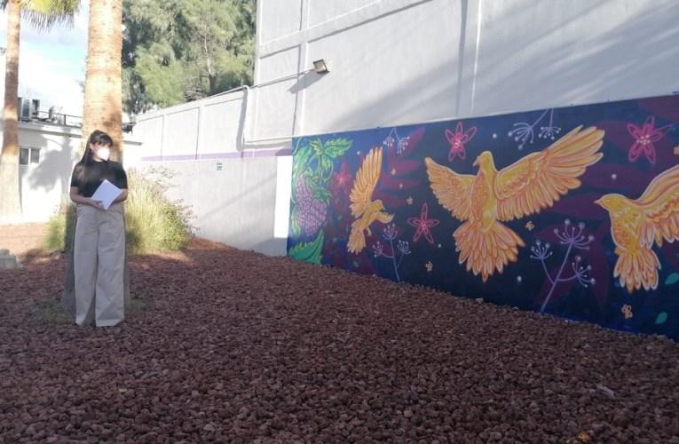 Inauguran en el CEJUM murales con mensaje de equidad de la artista Romina Becker