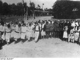 1917. Soldati germani cantonati intr-un sat romanesc.