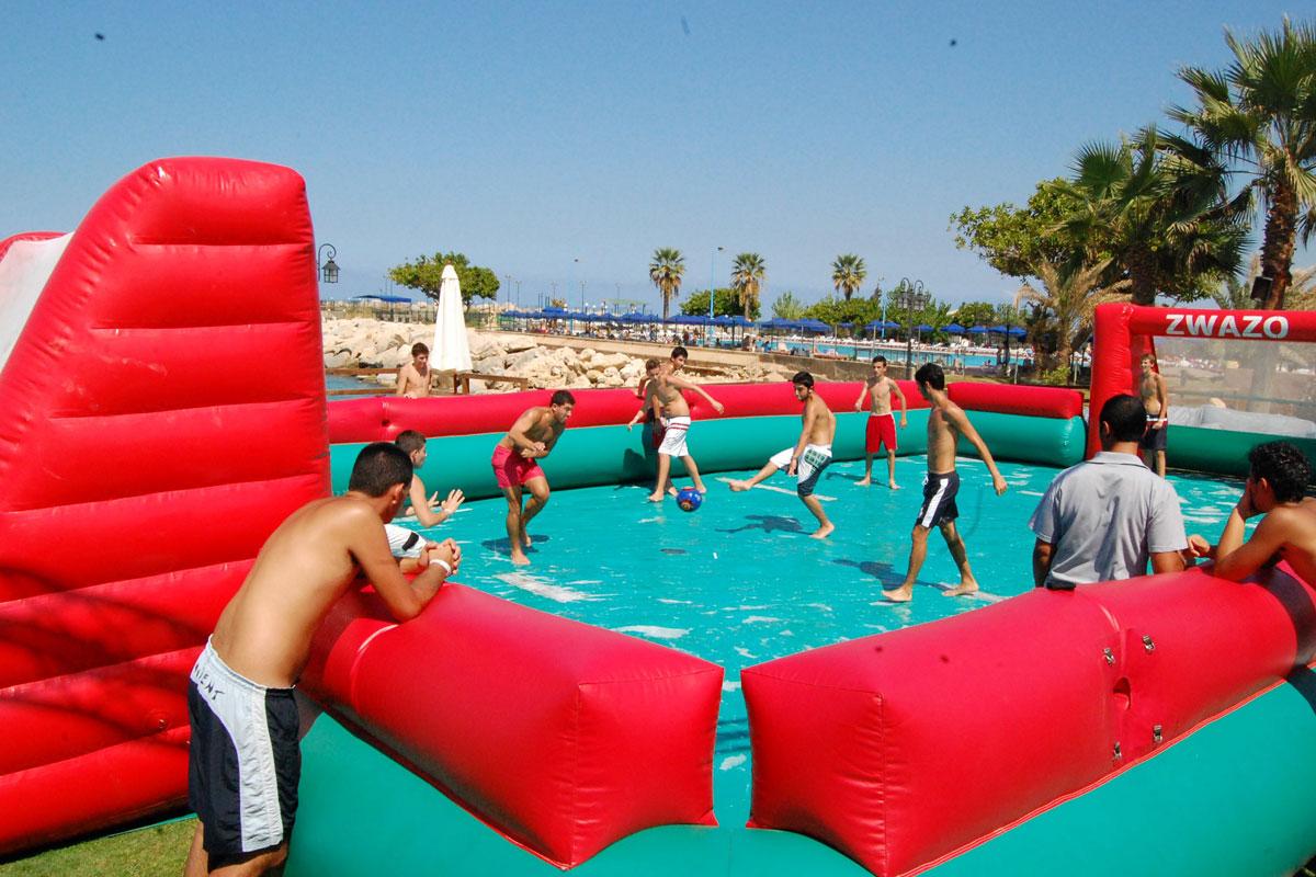 Fudbalsko igralište u obliku bazena sa sapunicom (foto: www.eurpark.it/Facebook @eurparkadventure)