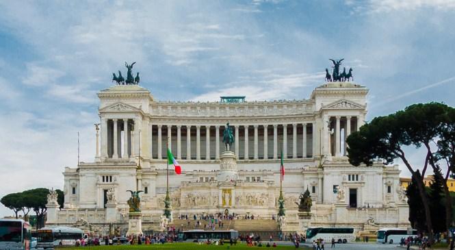 Oltar domovine u Rimu – moderan forum sa tri imena: Vitorijano, Pisaća mašina, Svadbena torta