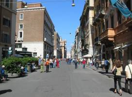 5 najboljih mesta za šoping u Rimu: Via del Corso (foto: Via del Corso/Facebook)