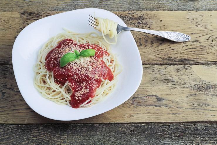 Špageti milaneze (spaghetti milanese)