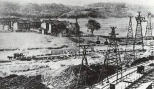 Die Kohlentransportseilbahn zwischen der Grube Hostenbach und der Völklinger Hütte in 1870er Jahren. (Quelle: Saarstahl AG)