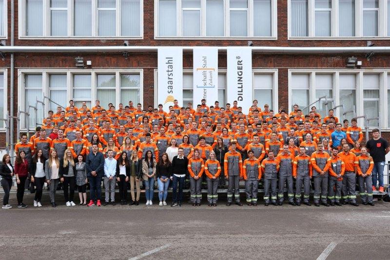 Die neuen Auszubildenden der saarländischen Stahlindustrie (Foto: Dillinger/Saarstahl AG)