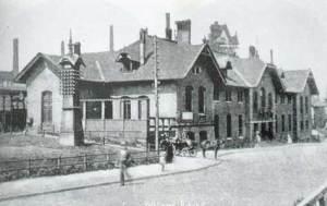 """Der damals neue """"Alte Bahnhof"""" im Jahre 1893."""