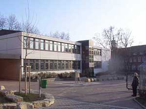Die Grundschule 1999 (Foto: A.Hell)