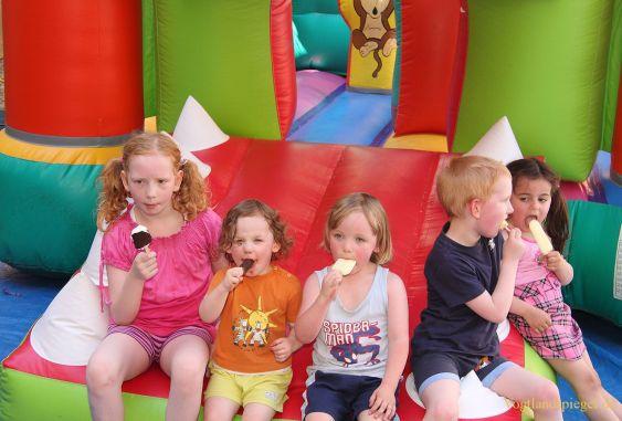 Greiz und viele Unterstützer luden zum Kinderfest ein