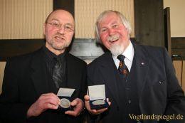 Bürgermedaille der Stadt Greiz in Silber für Winfried Arenhövel und Rudolf Kuhl