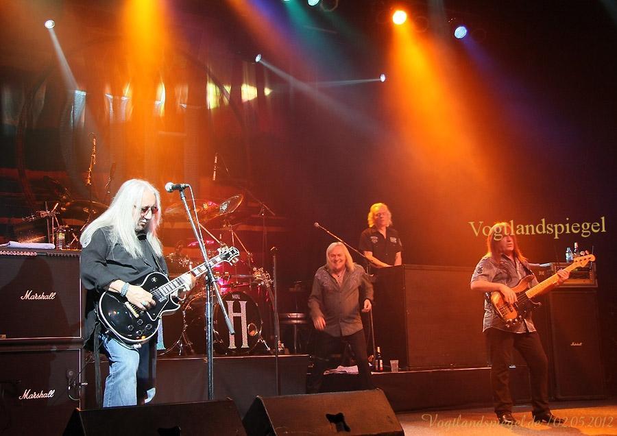 600 Fans der britischen Rockgruppe Uriah Heep erlebten in der Greizer Vogtlandhalle