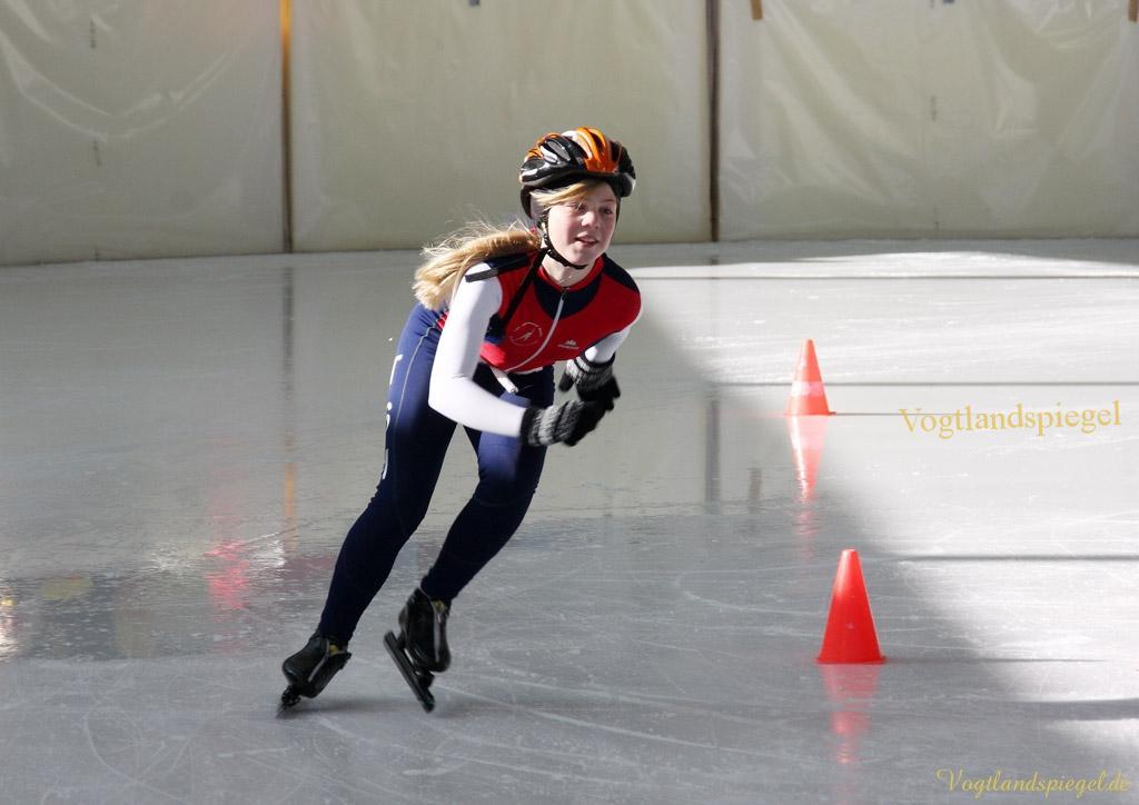 In der Greizer Eissporthalle fanden am Montag die 8. Vogtlandspiele im Eisschnelllauf statt