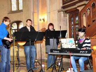 elfuhr - Gottesdienste beginnen in Pohlitzer Kirche