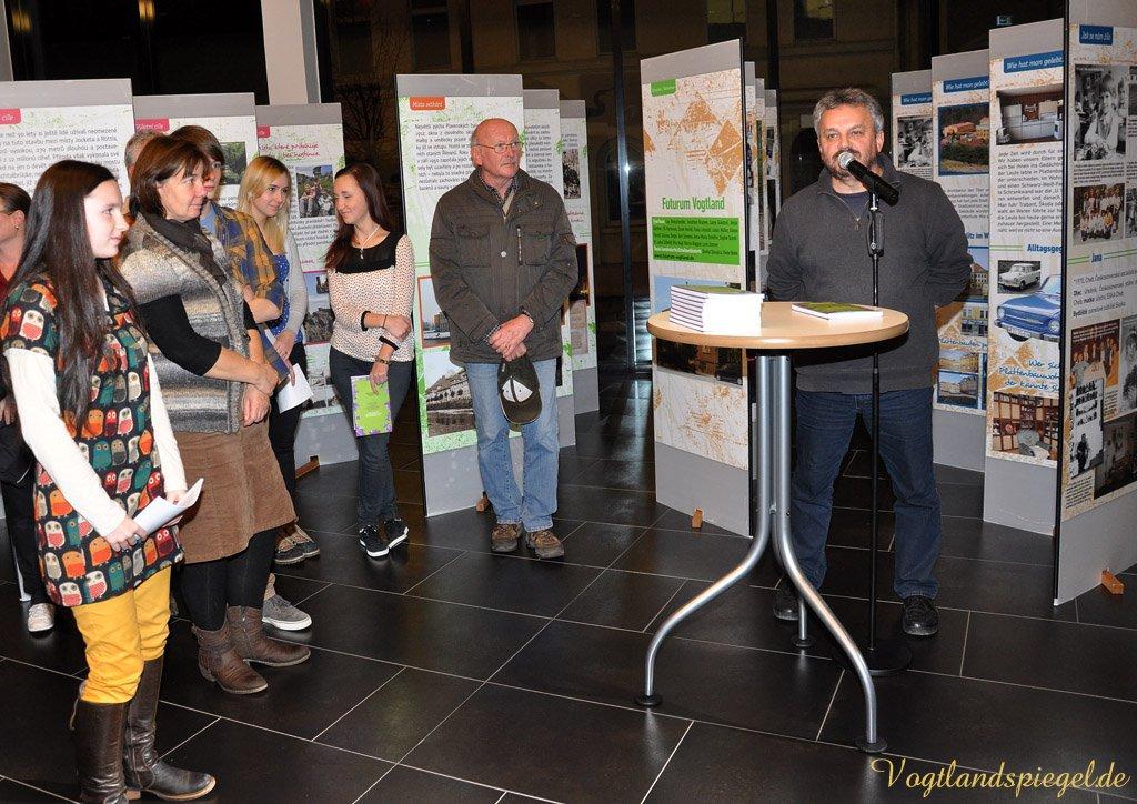 Ergebnisse des deutsch-tschechischen Projektes »Grenzüberschreitungen« in Vogtlandhalle Greiz vorgestellt.