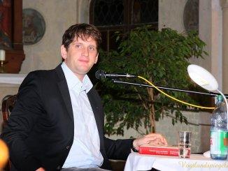 Schauspieler Sebastian Schwarz liest in Pohlitzer Kirche