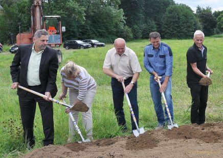 Spatenstich für den Bau der Greizer Zweifeldersporthalle vollzogen