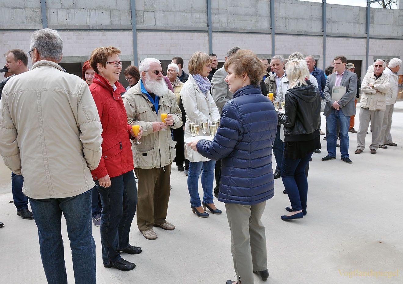 Richtfest an Greizer Zweifeldersporthalle gefeiert