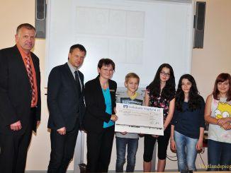 Kamprad-Verlag ehrt Klasse 7c des Ulf-Merbold-Gymnasium Greiz