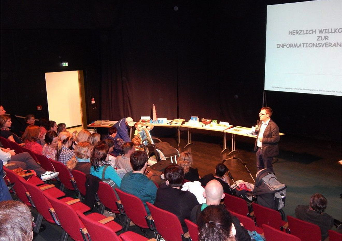 Vorstellung des Montessori-Prinzips auf die Studiobühne der Vogtlandhalle Greiz