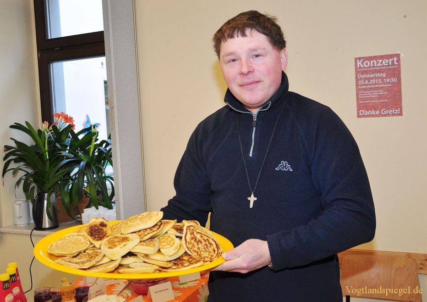 Christiane Gräßer lud zum Benefiz-Café ein